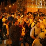 Громада йде з Софіївського майдану на Михайлівську площу